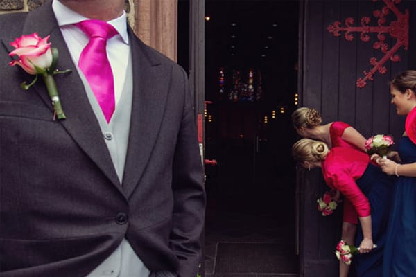 Рассчитываем бюджет свадьбы в Москве. Сколько стоят наряды молодоженов и кольца, аренда ресторана, оформление свадьбы, услуги фотографа, видеооператора, ведущего, диджеев и транспортной компании.